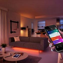 die philips hue e14 kerze ist endlich da click. Black Bedroom Furniture Sets. Home Design Ideas
