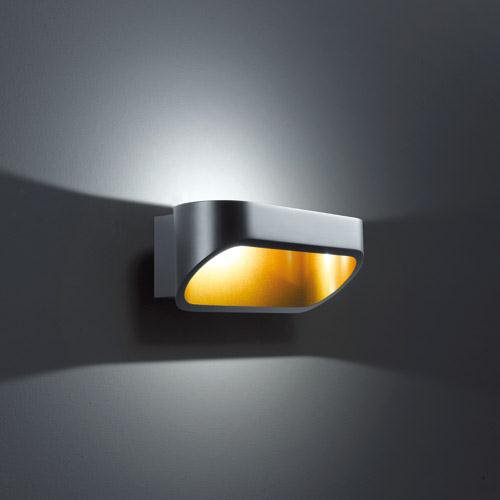 geradlinige helestra onno wandleuchte schwarz gold helestra 18 click. Black Bedroom Furniture Sets. Home Design Ideas