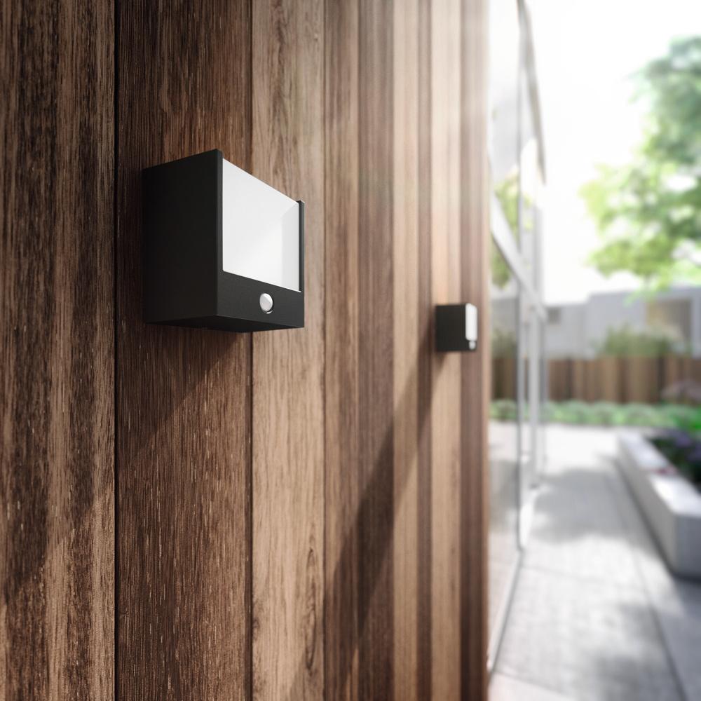 geradlinige led au enwandleuchte macaw in schwarz mit sensor philips 173173016 click. Black Bedroom Furniture Sets. Home Design Ideas