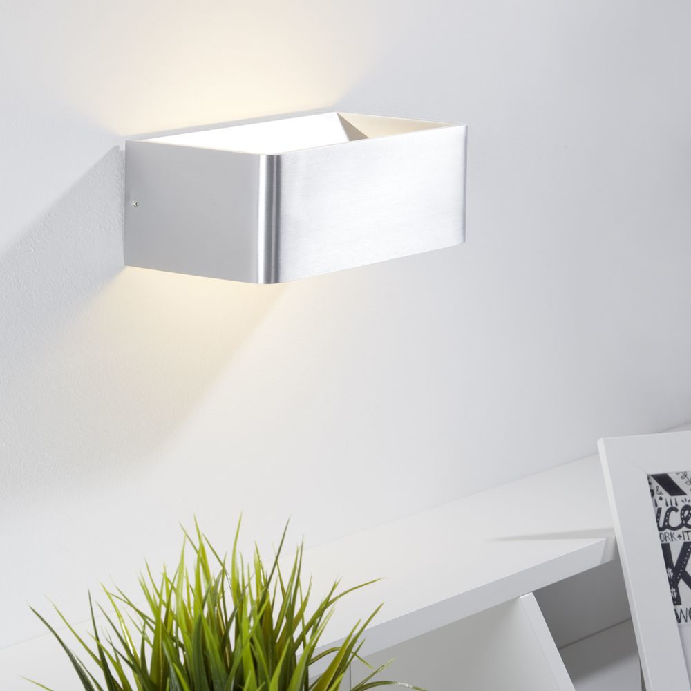 schicke led wandleuchte mainz in zwei versch ausf hrungen. Black Bedroom Furniture Sets. Home Design Ideas