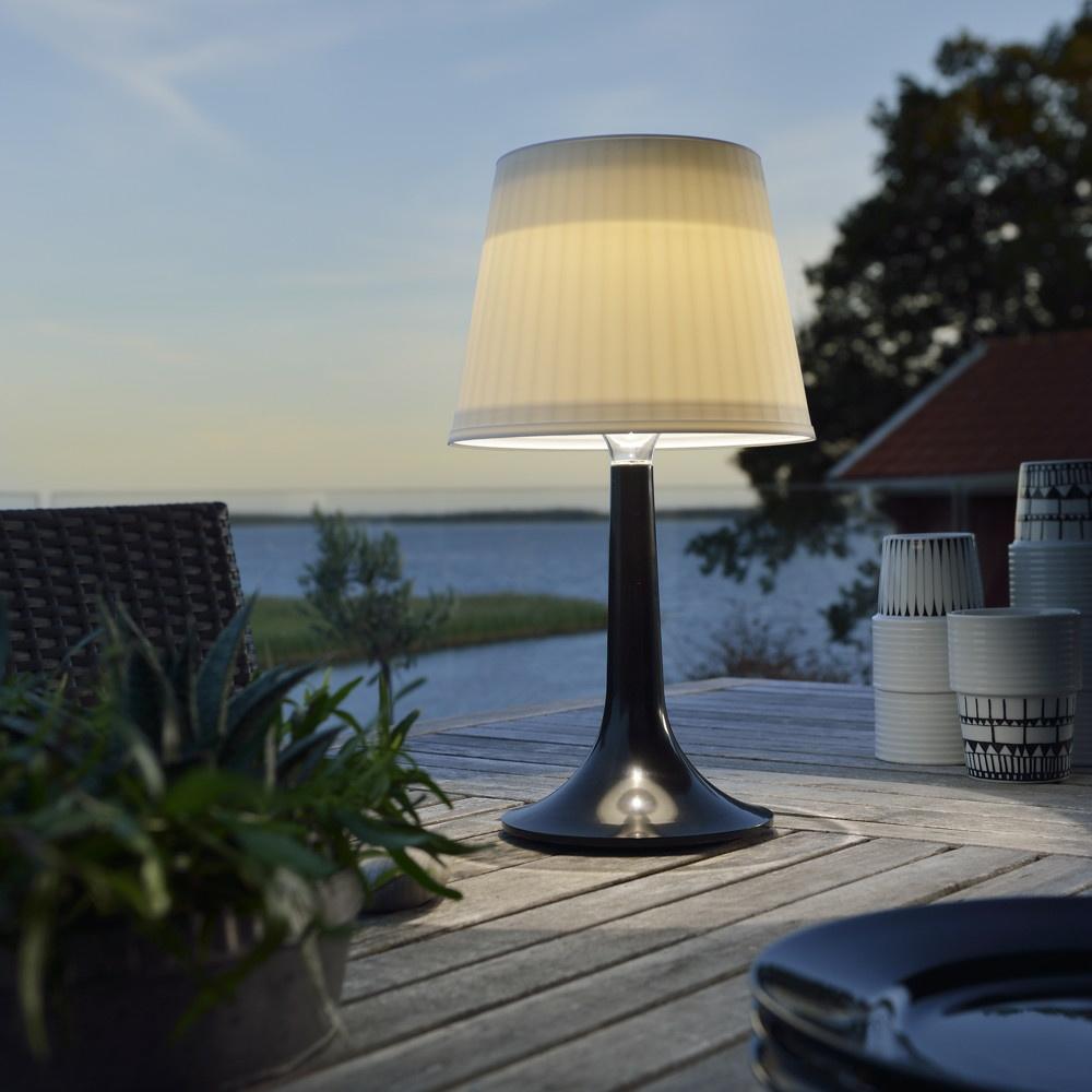 dekorative solar led tischleuchte assisi aus kunststoff in schwarz ip44 konstsmide 7109 752. Black Bedroom Furniture Sets. Home Design Ideas