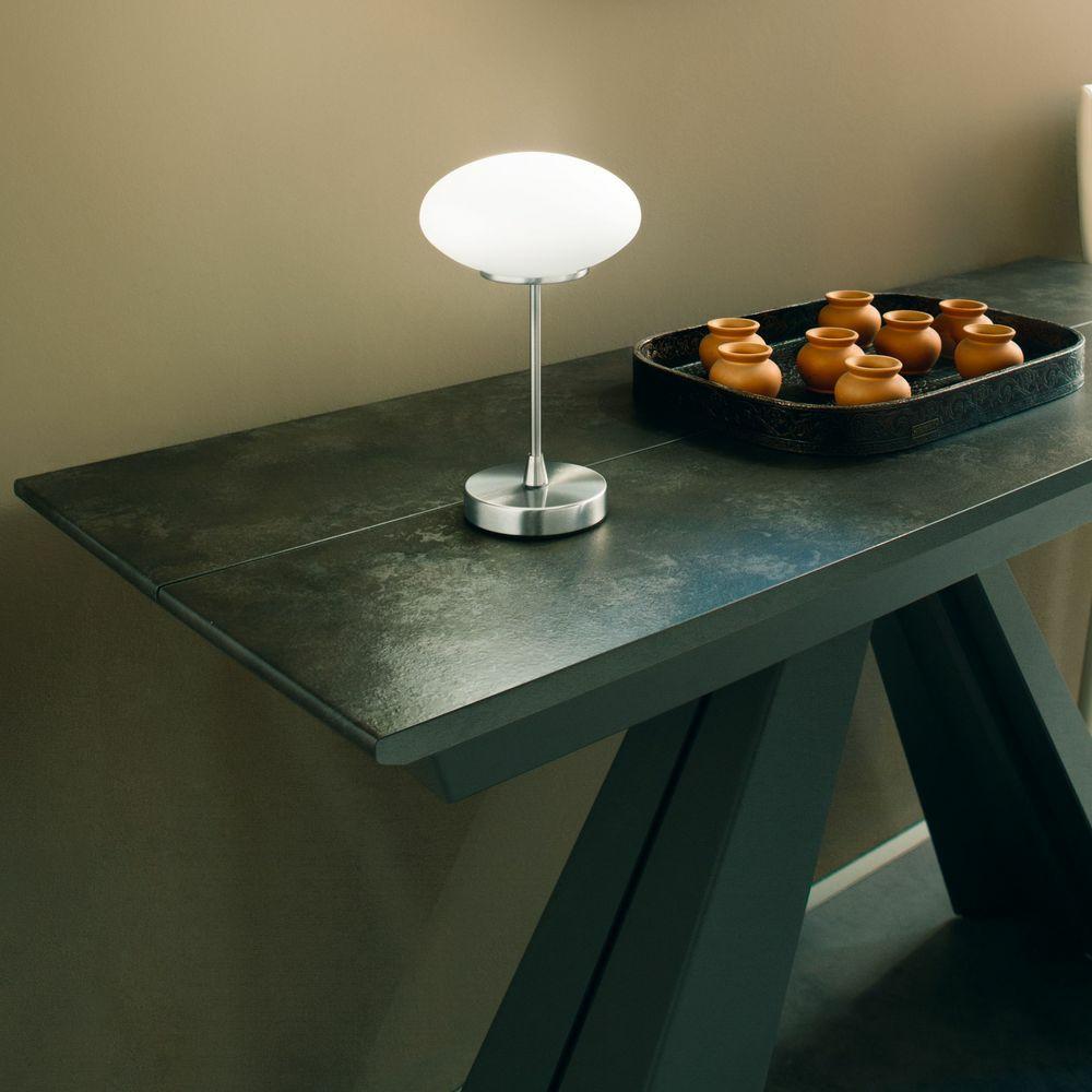 led tischleuchte jap in wei und nickel satiniert 5w 450lm. Black Bedroom Furniture Sets. Home Design Ideas
