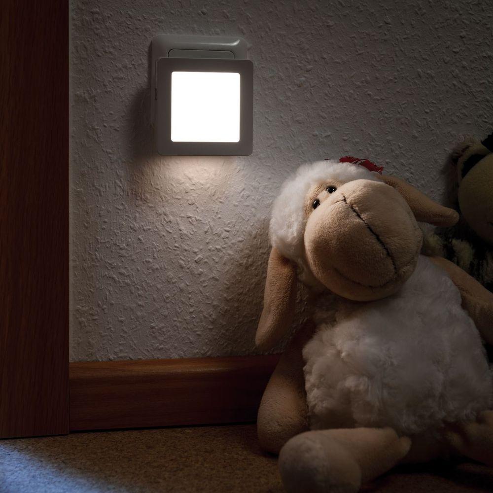 Stecker Nachtlicht Esby eckig Weiß, mit Dämmerungssensor